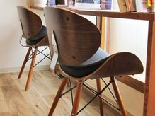 アルシェ(archer)の雰囲気(座りやすい椅子と豊富な雑誌をご用意しております♪)