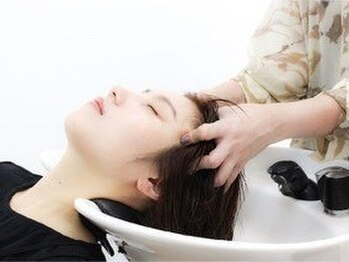アンディアーモ アオバ(andiamo aoba)の写真/頭皮をほぐし、肌をリフトアップし自律神経を整えます☆髪と頭皮のストレスを解消◎