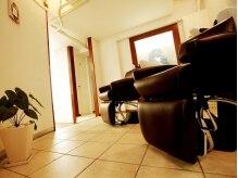 ポラリスヘアーアンドメイク 五反田(Polaris hair&make)の雰囲気(シャンプー台も区切られた空間の中で落ち着いて施術を…。)