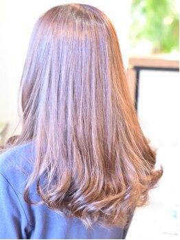 ゼルニイガタ(ZELE NIIGATA)の写真/デザインカラーをプラスすることで普段と違う表情を楽しめる♪髪や頭皮の負担を抑えたダメージレスカラー◎