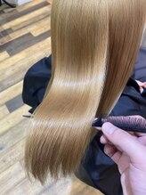 傷みすぎて諦めていた髪質。ブリーチ特化サロンだからこそ出来る髪質改善トリートメントがあります。