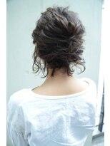 ヘアメイク シュシュ(Hair make chou chou)ボブのねじりアップスタイル【chou-chou 北林夏実】