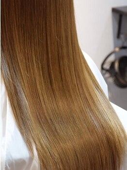 フォンクオアンド(foncuo&)の写真/[代々木上原徒歩1分]くせ毛の取り扱いならお任せください!髪の状態から最適なカットとホームケアをご提案
