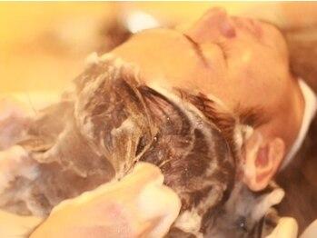 イルマーレ メンズ ヘア デザイン(il mare men's hair design)の写真/【メンズ限定サロン★】仕事帰りもOK!癒しのレモン&コリアンダーの香りでフレッシュに…♪