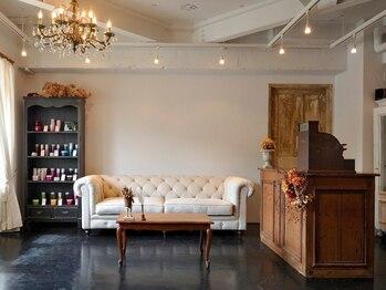 リリー(Rilie)の写真/岡山初…!!有名デザイナーの手がけたリアル・アンティークとモダンの融合した空間。居心地の良さを体感して