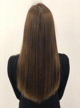シースアクシア(X axia)ロングのツヤ髪