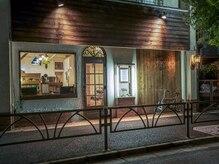 サンク(cinq)の雰囲気(白と木を基調とした温かみのある店内です☆【cinq金町】)