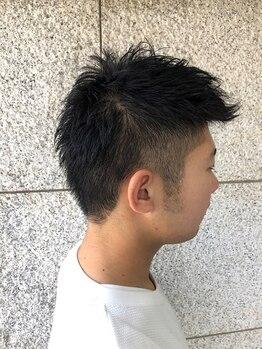 エクシーオザワ(EXY OZAWA)の写真/炭酸ソーダスパで毛穴の汚れを取り除き、頭皮の血行を良くします。眉を整えて引き締まった顔に☆