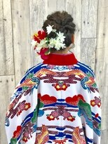 ヘアースペース ムーン(Hair Space MOON)卒業式シーズンのヘアーセットと袴の着付け早朝から取り掛かりOK