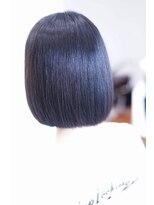 パティア(patia)艶髪大人可愛いショートヘア