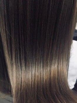 """レヴェヘアプラス(rever hair)の写真/[呉駅直結]思わず触れたくなる♪艶と自然な柔らかさを兼ね備える""""美髪ストレート""""今迄との違いを実感…"""