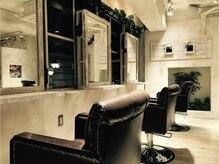 セピアージュ シス(hair beauty clinic salon Sepiage six)の雰囲気(白を基調とした温かみのあるカットスペース♪)