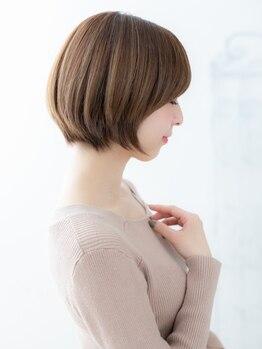 フィーユ(FEYU)の写真/まとまりのある大人ショートで、第一印象が変わる。毛流れを意識したカットで、360°美シルエット。
