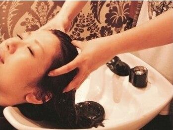 アムズヘアー 本厚木店(AM'S HAIR)の写真/【頭皮ケア】オーガニックヘッドスパが人気!血行促進する炭酸泉も使用◎頭皮から綺麗に…♪【本厚木】
