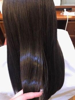 ジェシカイバラキ(Jessica IBARAKI)の写真/業界でも有名なAujuaを初め、様々なトリートメントをお客様の髪質やライフスタイルに合わせ、きれいな髪へ