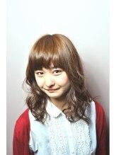 ルーエ ヘア デザイン(Ruhe hair design)重め前髪×ふわふわセミディ