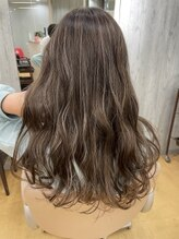 ヘアサロン リボーン(Hair salon Reborn)【王子駅前】ハイライトカラー