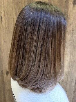 アムール(amour)の写真/【ご新規様20%OFFクーポン有】グローバルミルボン取扱い♪ダメージを補修しながら、つるんと潤う艶髪へ