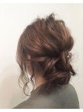 ヘアメイクサロン ビュートピア(hairmake salon Beautopia)ルーズシンプルアップ