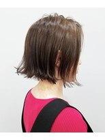 エイム ヘアメイク 横川店(eim HAIR MAKE)透け感ベージュ × 切りっぱなしボブ