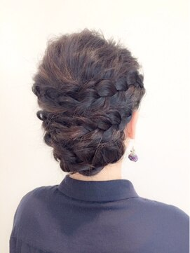 結婚式 髪型 編み込みヘアアレンジ 編み込みアップスタイル