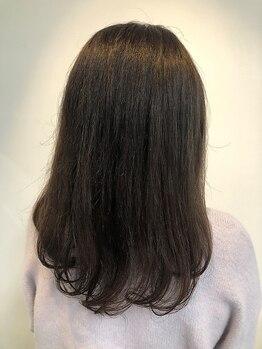 パウダーテラ(Powder tera)の写真/潤いカラーで気になる白髪もしっかりカバー◎少人数のプライベートサロンなので髪のお悩みも相談しやすい☆