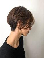 【ハンサムショート】くびれが綺麗な前髪なしショートボブ