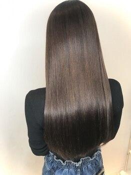 ロットナイン(lot 9)の写真/ヘアケアマイスターの資格を持つオーナーが施術。根元から美しい健康な髪へと導きます。