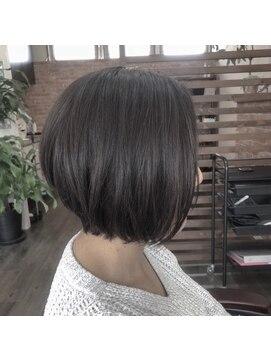 プロキシムヘアワークス(proxim hair works)前下がりショートボブ