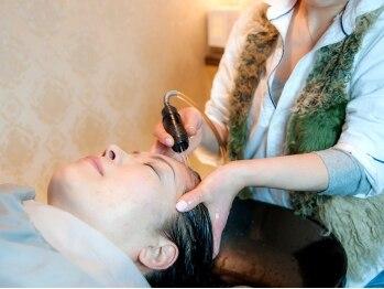 サロン ド ハルル(Salon de Hall)の写真/本物志向のあなたに!話題の『ウォータースパ』で髪もお肌も美しく☆極上のリラックスタイムをお届け…