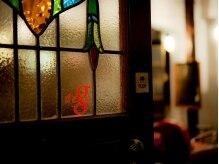 デゴ(dego)の雰囲気(アンティークショップのような扉を開けて、あなただけの隠れ家へ)