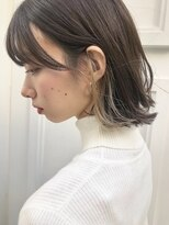 キッカケ アットデプス(KIKKAKE@Depth)伸ばしかけヘアにダブルカラーのインナーカラーで小顔ヘアに