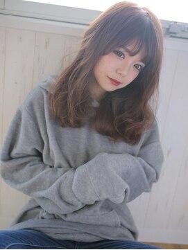アグ ヘアー シルエ 和泉府中店(Agu hair silje)流行りの暗色大きめウェーブで今年顔