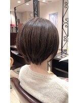 アッシュ アーティスティック スタジオ オブ ヘア(Ash artistic studio of hair)ショート×ツヤカラー