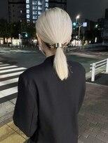 シキナ(sikina)【ナカムラ_design】ホワイトブロンド×ヘアアクセサリー