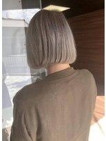 ヘアメイク シュシュ(Hair make chou chou)切りっぱなしボブ×ハイトーングレージュ【chou-chou 北林夏実】