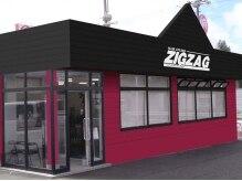 ジグザグ ヘアースタジオ(ZIGZAG hair studio)の雰囲気(内野の原信近く、この外観が目印です☆駐車場も20台完備♪)