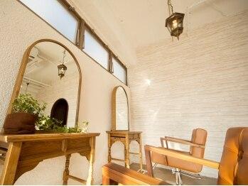 ロモ(LOMO)の写真/【公津の杜徒歩2分】落ち着いた雰囲気とオシャレな空間が広がる美容室≪LOMO ロモ≫