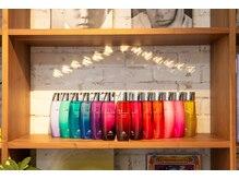 【1F】勿論サロンですので、専売品のシャンプーや化粧品の販売もしていますよ!