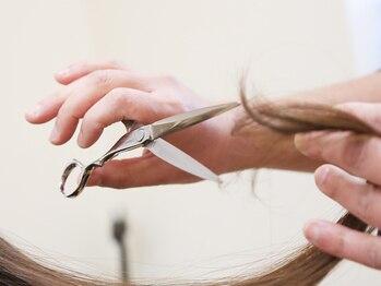 テノン 美容室tenonの写真/骨格・髪質・クセを見極めた計算されたカットで、伸びても崩れない!スタイルチェンジも安心してお任せ☆