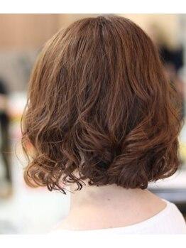 """モナミ美容室の写真/""""髪の悩みは人それぞれ""""なのでパーマの種類も幅広く取り扱い◎ボリュームアップ・カラー同時施術OK♪"""