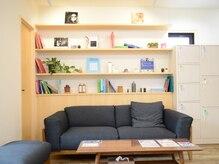 エンリエアー(enri h air)の雰囲気(待合はカフェのイメージでお店に入った瞬間からリラックス…♪)