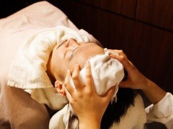 ヒロギンザ 御茶ノ水店(HIRO GINZA)の写真/【頭皮爽快☆】炭酸ヘッドスパで頭皮をスッキリ♪極上のケアメニューで癒しの時間をお過ごし下さい!