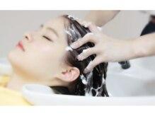 テゾーンフォーヘアーボニータ(TEZZON for hair BONITA)の雰囲気(パーマ・カラーの施術後は眠りを誘うナノミストスチームで艶髪に)