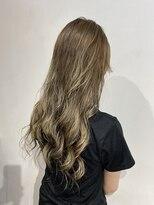 ヘアーアンドメイク ジズー(hair&make zizou)[ バレイヤージュ+グレージュ ]