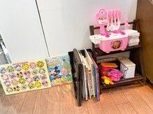 サボン美容室(SAVON)の雰囲気(ソファーでおもちゃで遊びながらお子さんにお待ちいただけます☆)