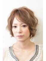 小顔カットと毛先パーマで女子力UPのショートヘア☆