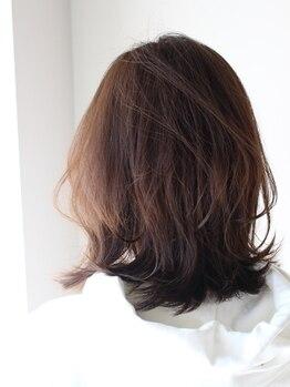オリガミ ヘアーアンドビューティ 南前川店(ORIGAMI Hair&Beauty)の写真/白髪染め=暗い色のイメージを覆す【高明度グレイカラー】大人女性をクラスアップする上質な色味に虜になる