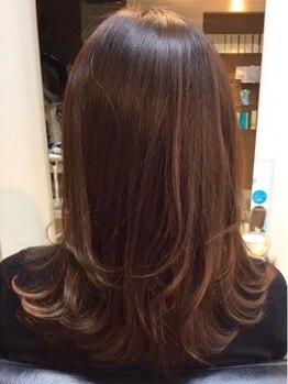 クレールドリュンヌ(clair de luna)の写真/大人のデザインカラーもお任せ!毛先までまとまる質感を損なわず、最大限キレイに見せる美髪カラーに。