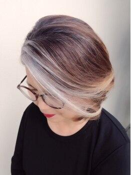 ビバーチェ(Vivace)の写真/髪と地肌に優しい…♪ハーブを使った香草カラーで優しく白髪を染め上げます♪